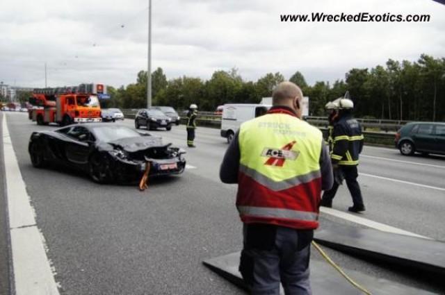 McLaren MP4-12C crashes in Germany