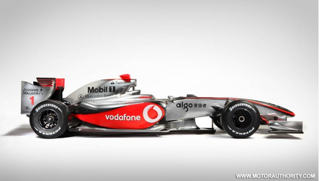 McLaren reveals MP4-24 2009 F1 race car, Dennis to step down