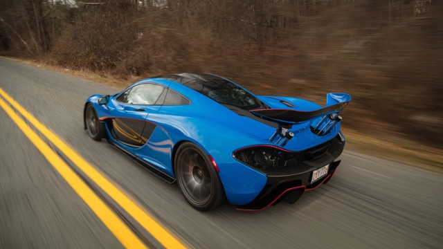 McLaren P1 auctioned off at the Amelia Island Concours