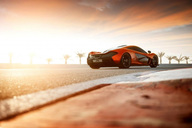 McLaren's P1 prototype at the Bahrain International Circuit - image: McLaren