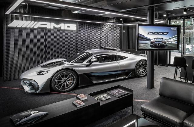"Mercedes-AMG One ""width ="" 640 ""height ="" 422 ""data-width ="" 1024 ""data-height ="" 675 ""data-url ="" https://images.hgmsites.net/lrg/mercedes-amg- one_100672661_l.jpg"