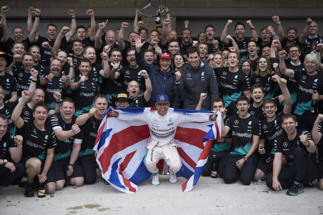Mercedes AMG secures both Drivers' and Constructors' titles in F1 in 2015