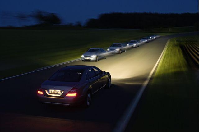 Mercedes-Benz adaptive high beam headlights