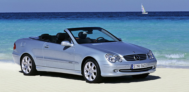 last mercedes benz clk cabrio rolls off the line. Black Bedroom Furniture Sets. Home Design Ideas