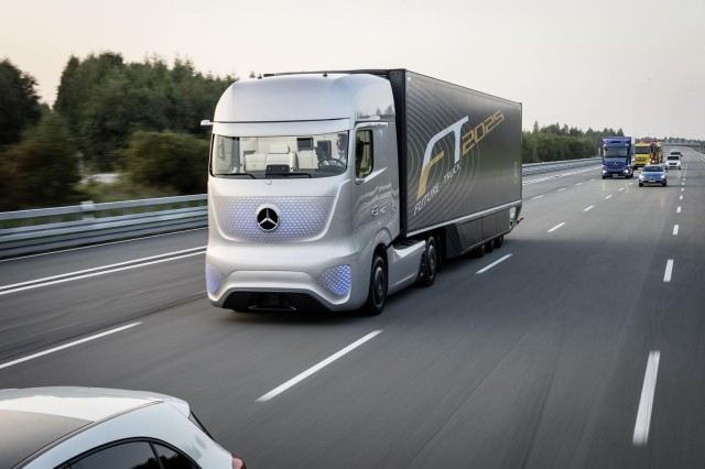 Mercedes Benz Future Truck 2025 Concept 2017 Hannover Commercial Vehicle Show
