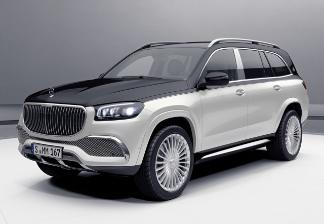 Mercedes Goes Big For 2021 Performance Suv Showdown Bolt Ev Lease Deals What S New The Car Connection