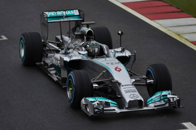 Mercedes-Benz launches 360-degree racing video footage