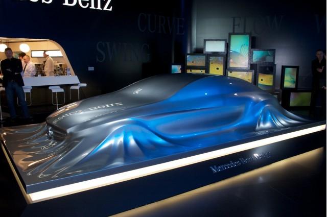 Mercedes-Benz Rising Car sculpture live