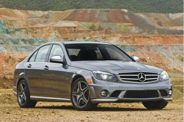 review 2011 mercedes benz c63 amg with performance package. Black Bedroom Furniture Sets. Home Design Ideas