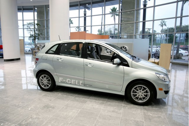 Mercedes denies ceo said it will turn away from hydrogen for Mercedes benz b class bev