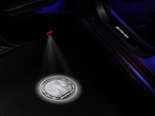 Mercedes-AMG adds 3D puddle lamps