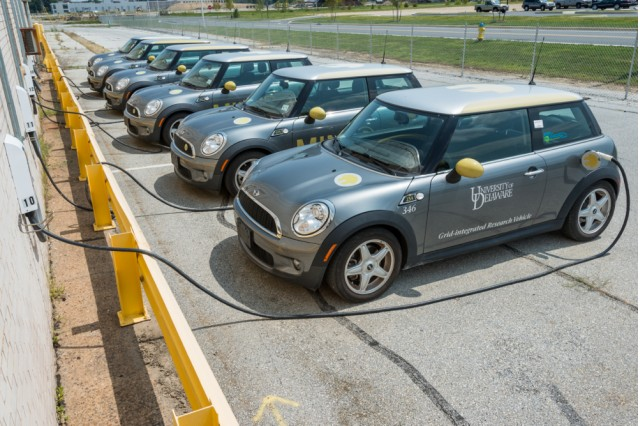 MINI E electric cars used in vehicle-to-grid test. Photo by University of Delaware/Evan Krape