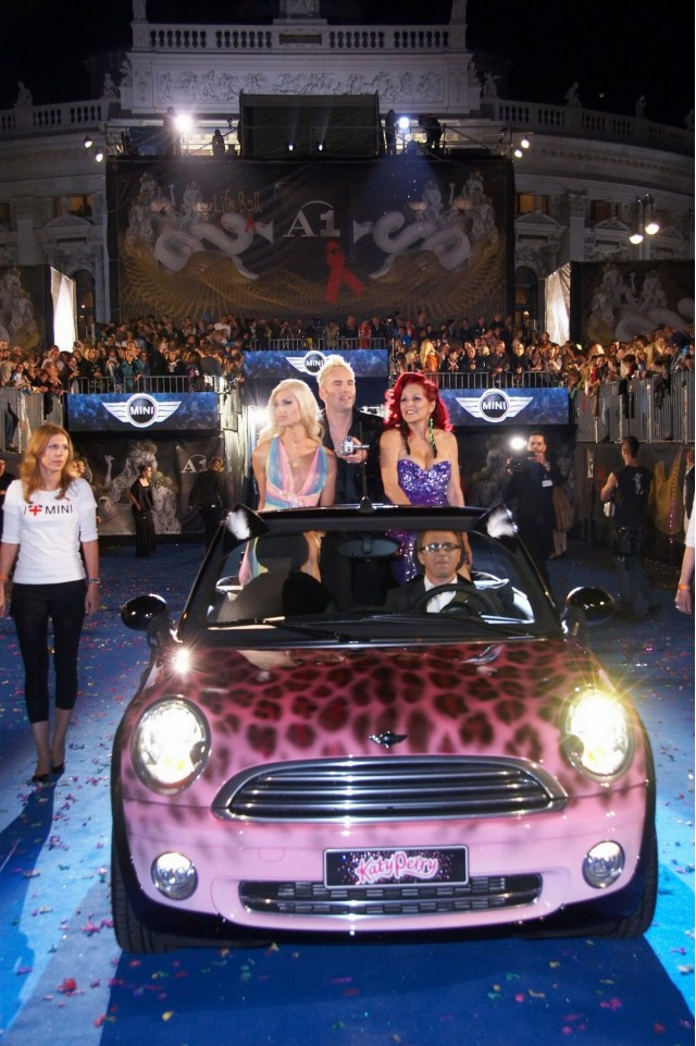 MINI inspired by Katy Perry at the Life Ball