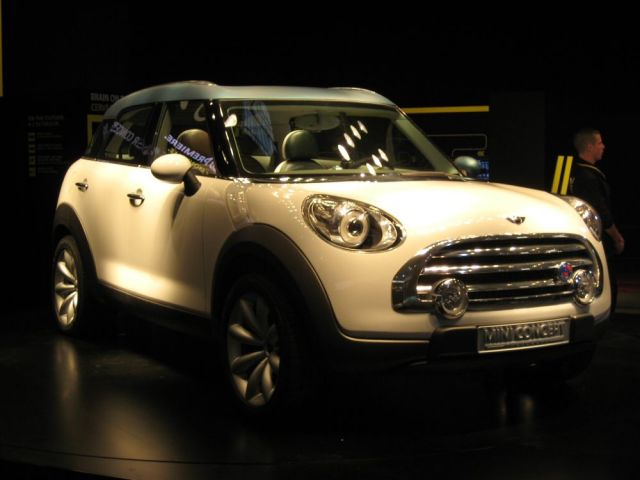 2011 MINI Crossman: The Paris Concept Is Here