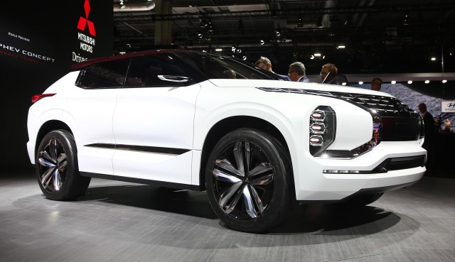 Mitsubishi gt phev concept at paris motor show for What does a motor vehicle report show
