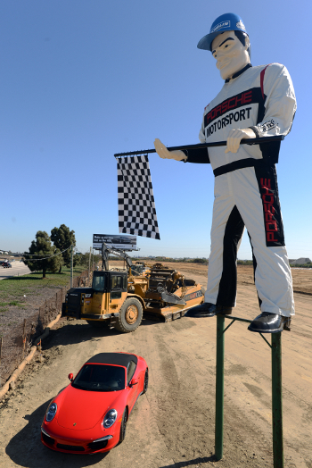West Coast Auto Center >> Porsche Gives Muffler Man Statue A Makeover
