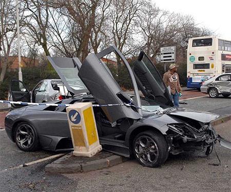 Murcielago crashed in the UK