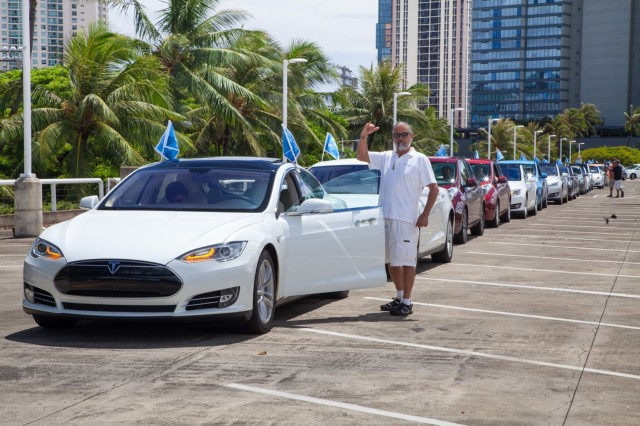 National Drive Electric Week 2016: Honolulu, HI [photo: Blue Planet Foundation]