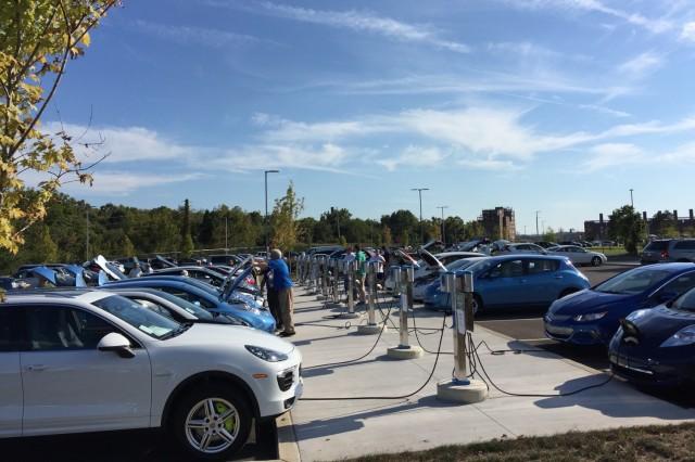 National Drive Electric Week 2016: Kingsport, TN [photo: David Hrivnak]