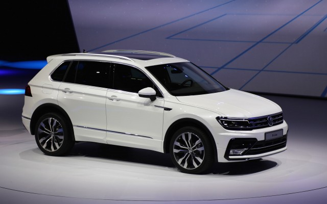 2018 volkswagen tiguan with 3rd row seats spy shots. Black Bedroom Furniture Sets. Home Design Ideas