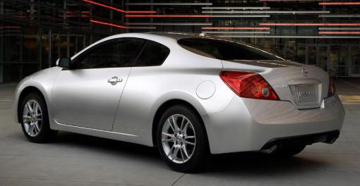 Nissan Considers Drop Top Altima