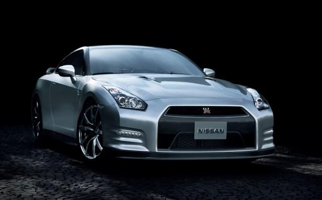 2014 Nissan GT-R (Japanese spec)