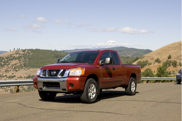 2010 nissan titan sports car of trucks gets a safety boost. Black Bedroom Furniture Sets. Home Design Ideas