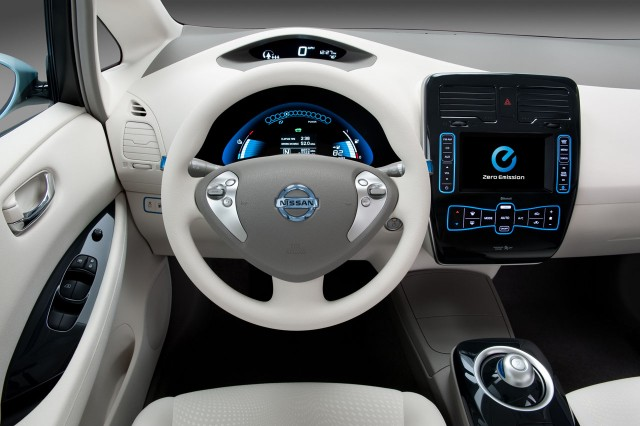2011 Nissan Leaf Orders Commence Fast Charge Option 700