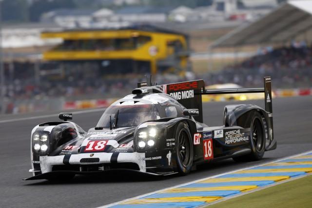 Number 18 2015 Porsche 919 Hybrid LMP1 race car