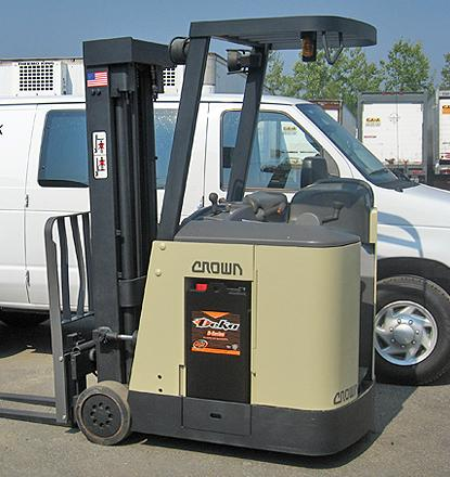 NuTankX forklift before modificationt to add second set of tines to accept empty fuel tank