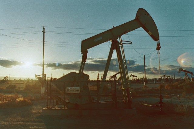Oil field (Image: Flickr user johnny choura, used under CC license)
