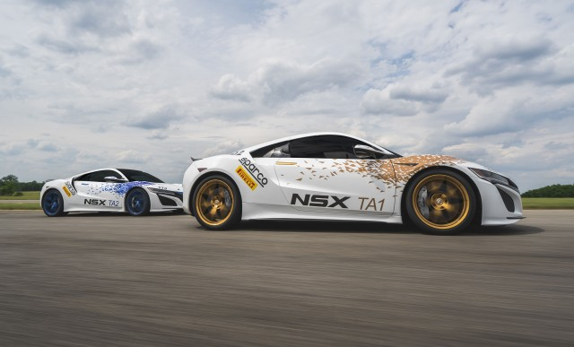 Pair of Acura NSX supercars to take on 2016 Pikes Peak International Hill Climb