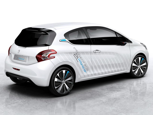 peugeot 208 hybrid air latest to aim for french 117 mpg target