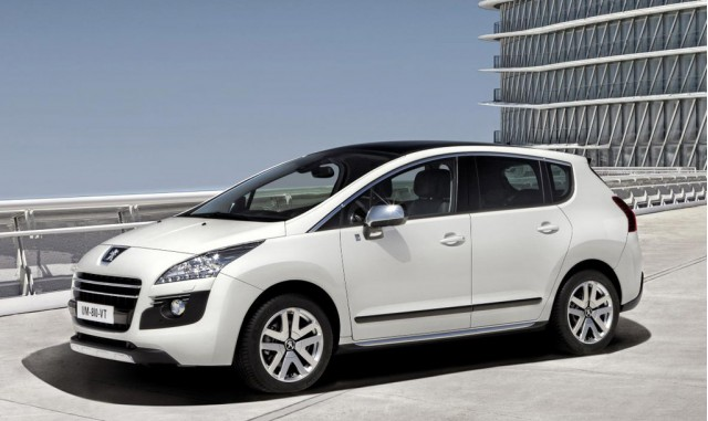 Peugeot 3008 HYbrid4 diesel-electric hybrid