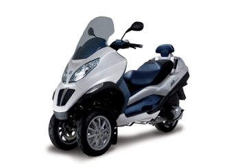 piaggio offers europe 39 s first hybrid scooter three wheeled mp3 scooter. Black Bedroom Furniture Sets. Home Design Ideas