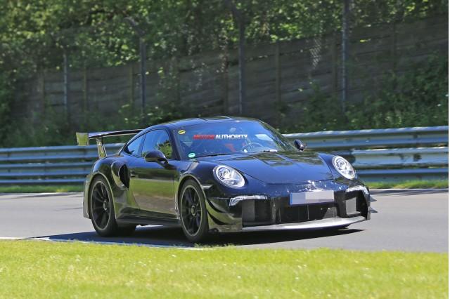 2018 Porsche 911 GT2 spuy shots - Image via S. Baldauf/SB-Median