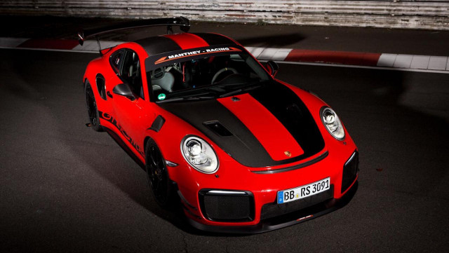 Porsche 911 GT2 RS MR sets street-legal Nürburgring lap record