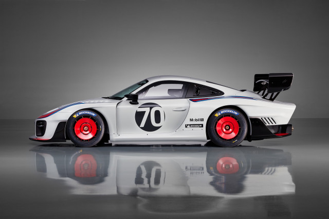 Porsche 935 dedicated racer limited to 77 epic units