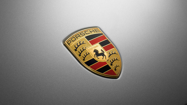 Porsche tests online car sales