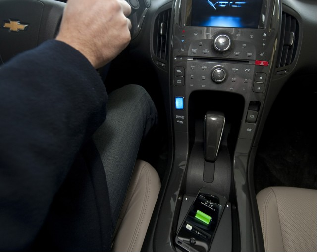 Mat Wireless Charge Pad In Chevrolet Volt