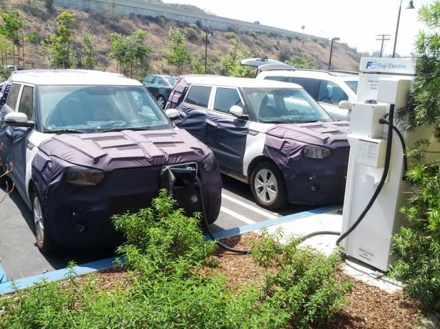 Prototype 2015 Kia Soul EV electric cars, July 2013 [photo: Lee Colleton, used under CC-BY-SA]