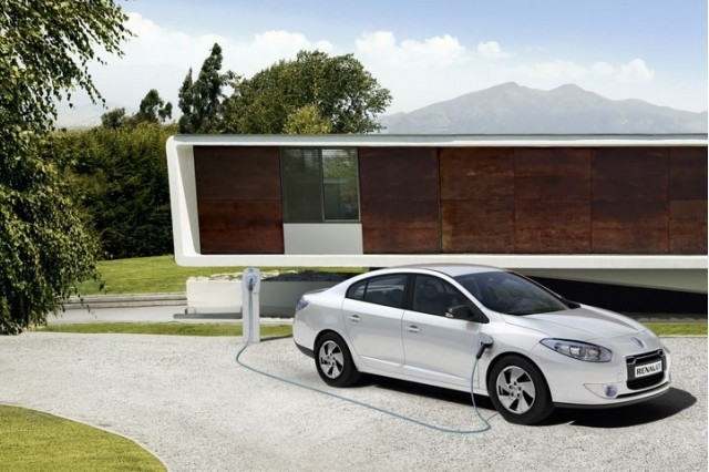 Renault Fluence ZE production electric sedan