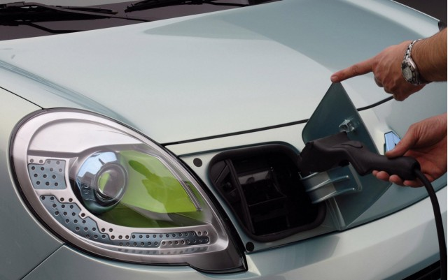 Renault Unveils Uber Cute Kangoo Bebop Ze First Of Four Electric Cars