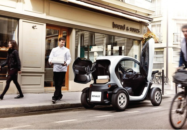 Life With Renault Twizy Electric Bopping Around Bermuda