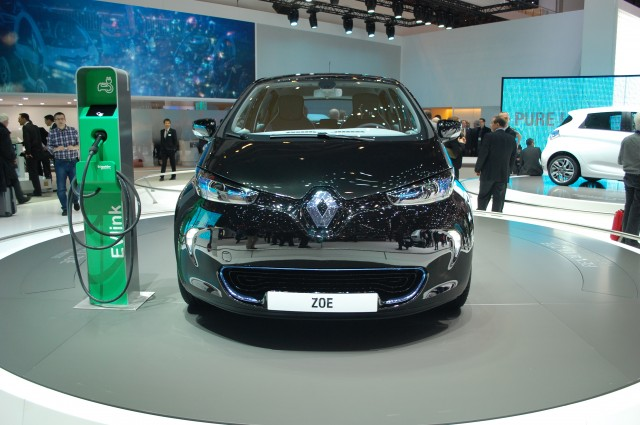 Renault ZOE electric car live photos