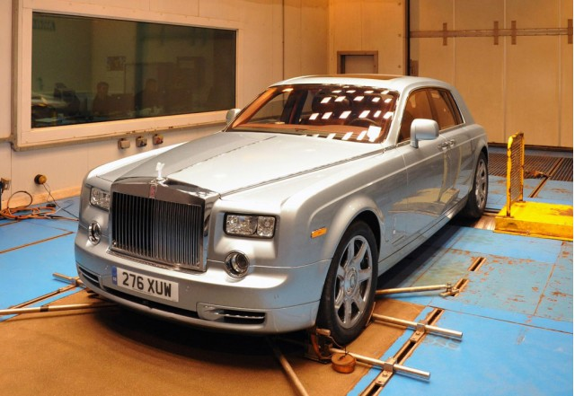 Rolls-Royce 102EX electric prototype undergoing hot weather testing at MIRA1 facility