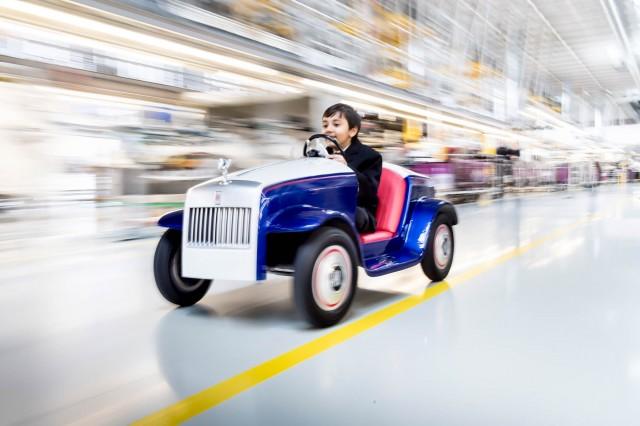 Rolls-Royce Motor Cars produces SRH hospital car for children