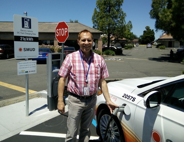 Sacramento Municipal Utility District electric car DC fast-charging site, Jun 2015 [George Parrott]