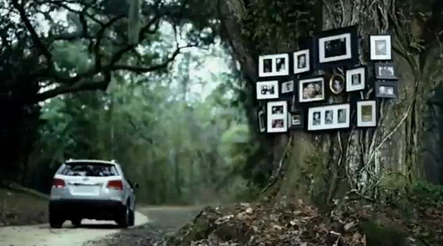 Screencap from an ad for the 2011 Kia Sorento