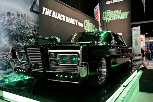 https://images.hgmsites.net/med/seth-rogen-with-black-beauty-a-1967-chrysler-imperial-from-the-green-hornet_100326453_m.jpg